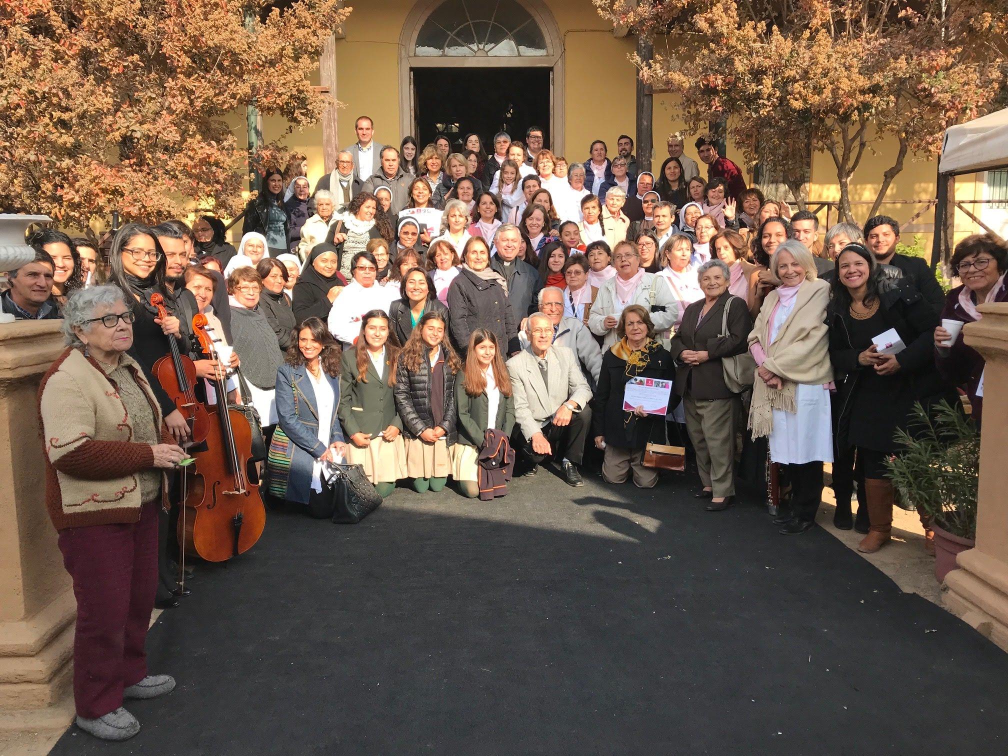 Voluntarios renuevan su compromiso solidario – Fundación Las Rosas